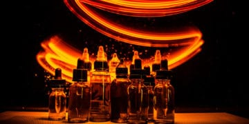 e-juice bottle and light effect