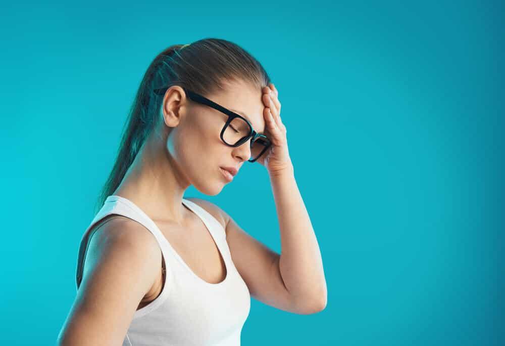 girl with a headache image
