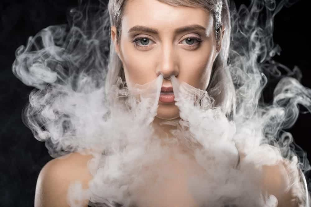 Vaper's Tongue girl image