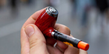 Be Leaf Classic Pipe Review featured image-Max-Quality image